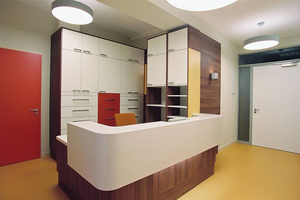 anmeldung arztpraxis labor innenausbau projekte b k ting innenausbau. Black Bedroom Furniture Sets. Home Design Ideas