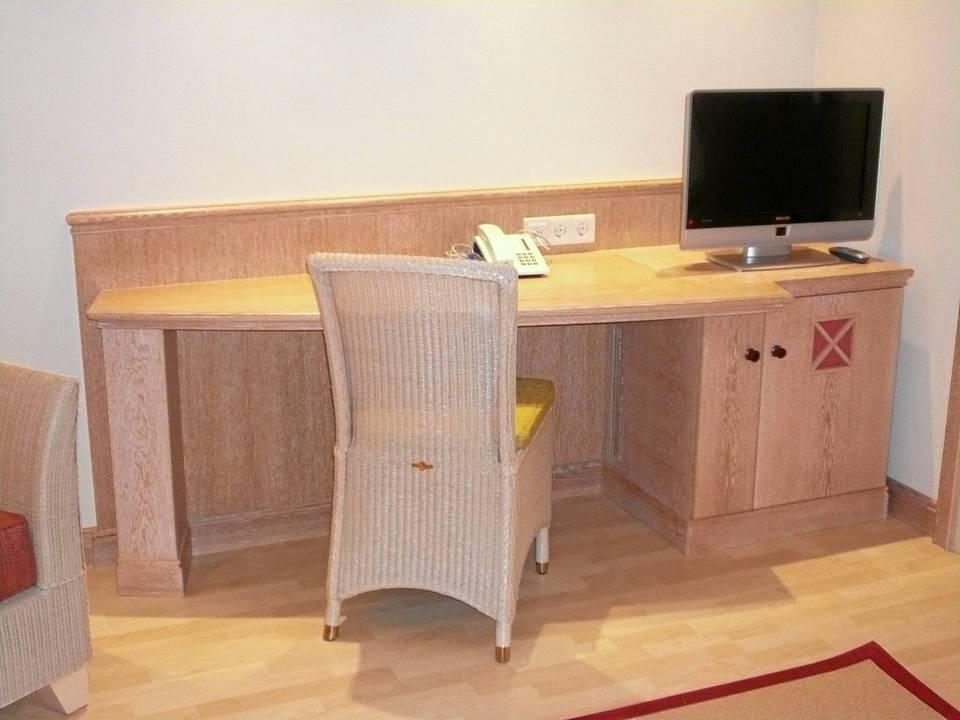 Schrank Schreibtisch Kombination 2021